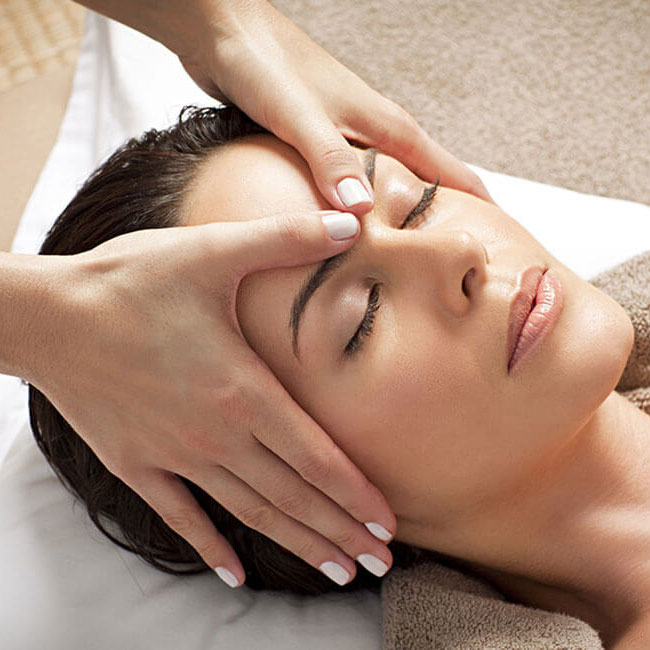Massagem Facial Moema - Amadi Spa