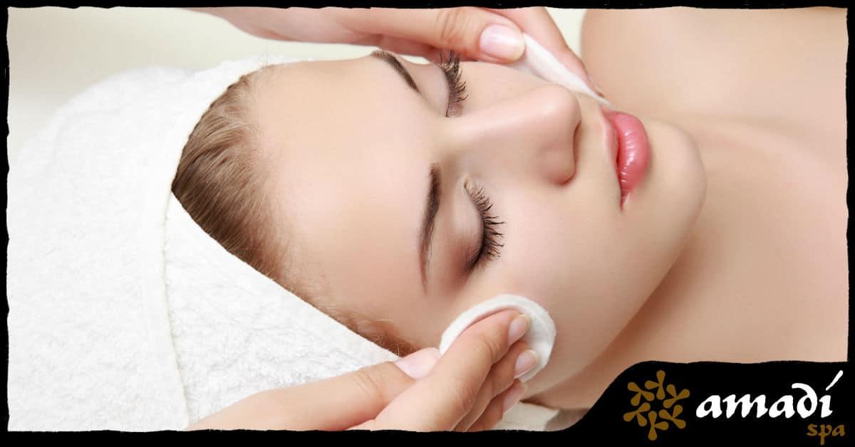 Quais os benefícios da limpeza de pele facial? - Amadí Spa - Moema